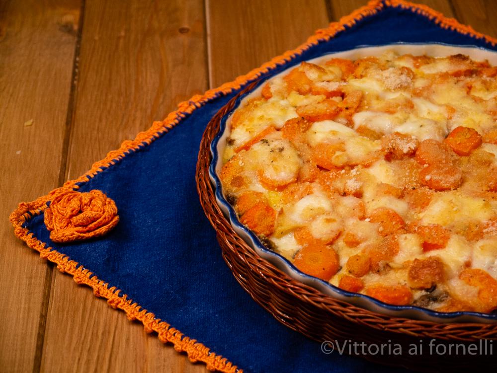 tortino di carote con funghi e mozzarella