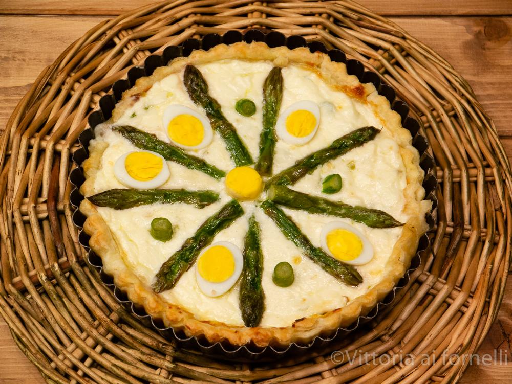 Torta salata con asparagi e stracchino