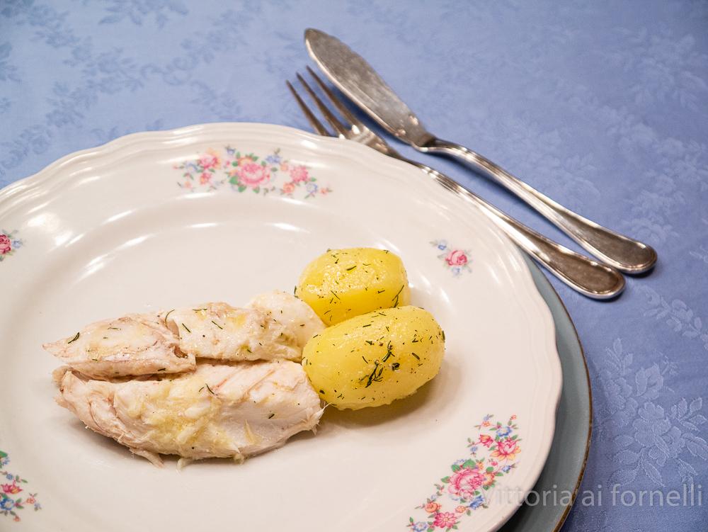 Pesce in crosta di sale , a tavola