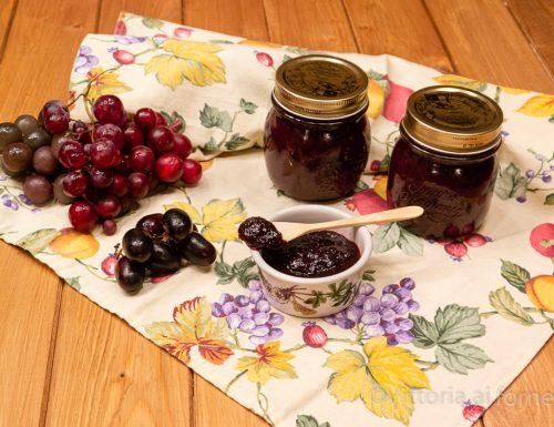 Confettura di uva nera, golosa marmellata autunnale
