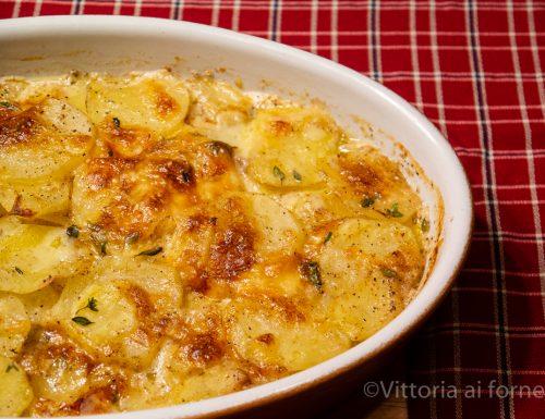 Gratin di patate e formaggio al profumo di timo
