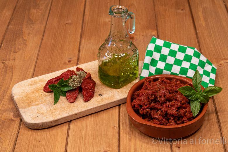 Capuliato, pesto siciliano di pomodori secchi