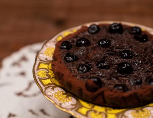 Torta cruda al cioccolato con amarene
