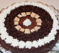 Torta di cioccolato, biscotti e torrone