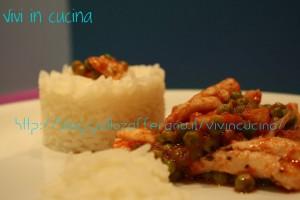 filetti di sogliola piselli riso basmati vivi in cucina
