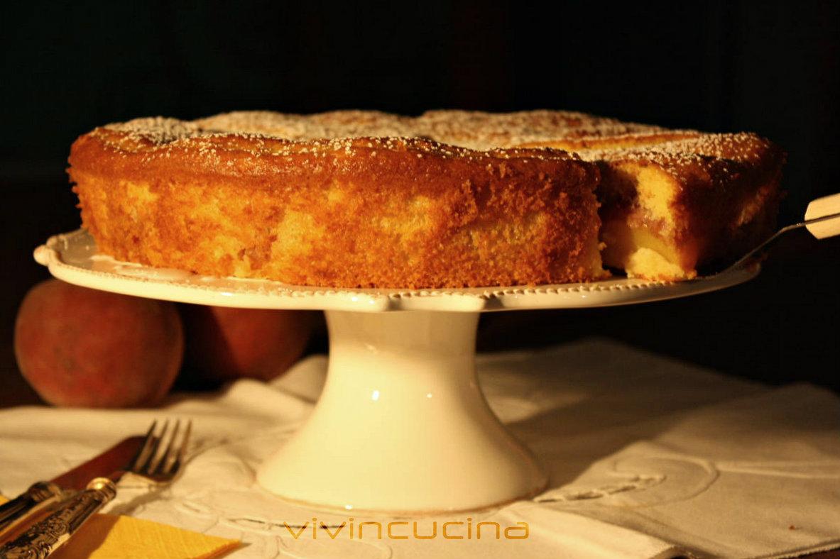torta pesche e squacquerone