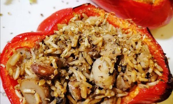 Peperone ripieno di basmati funghi e borlotti