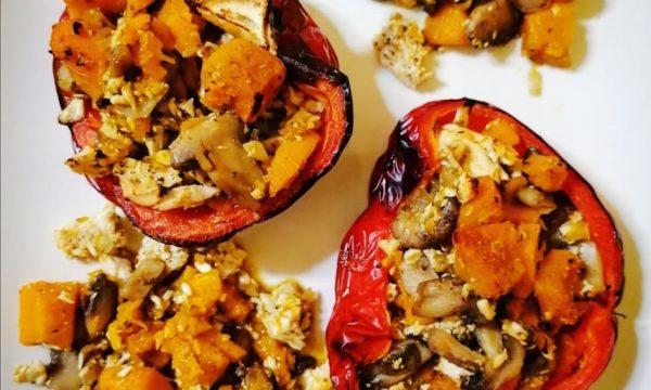 Peperoni ripieni di pollo zucca e funghi