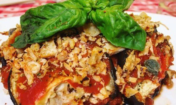 Finte lasagne di melanzane con ragù di pollo