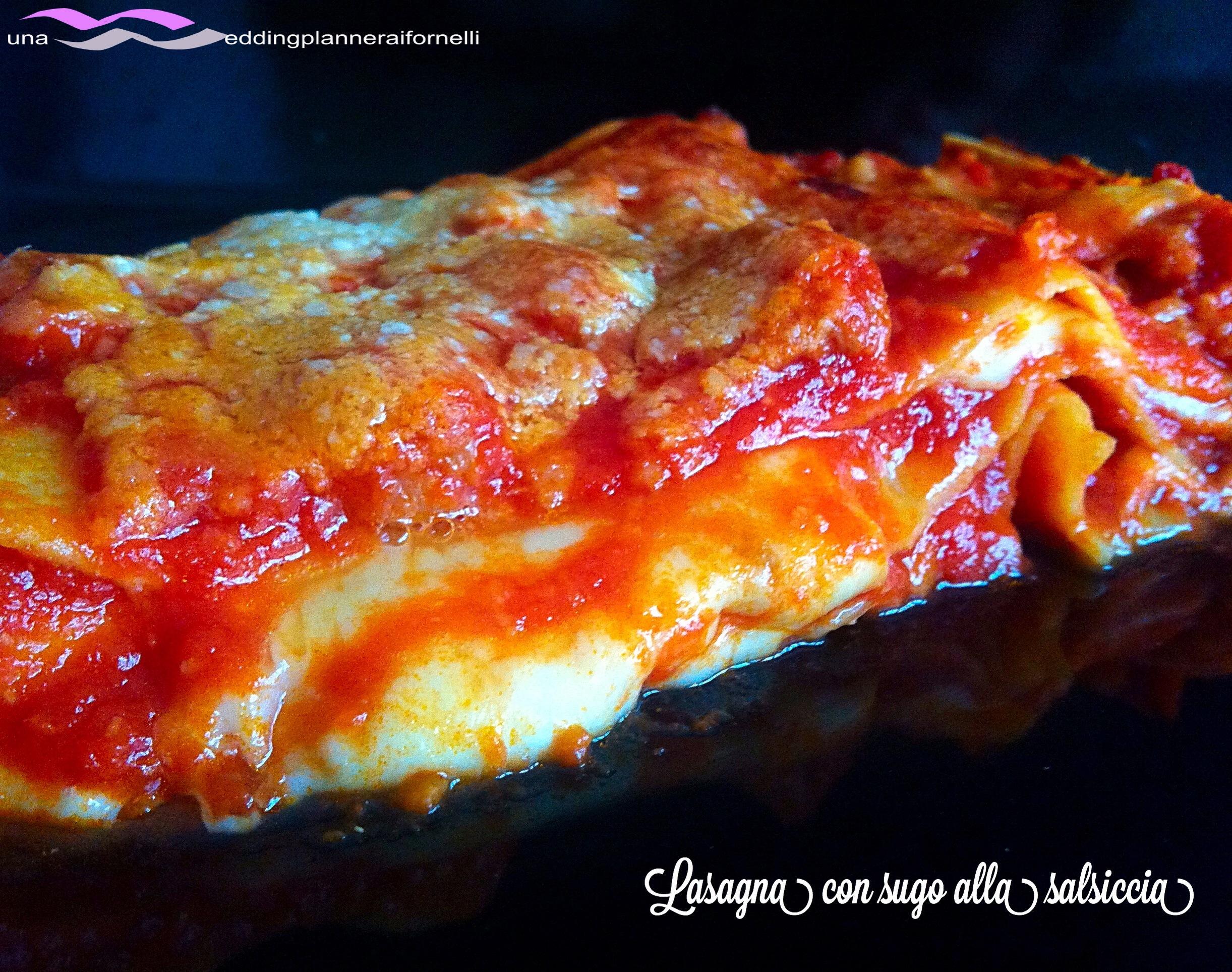 Lasagna con sugo alla salsiccia