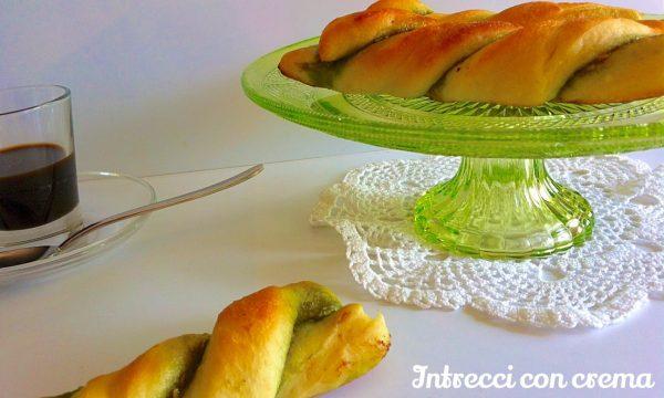 Intrecci con crema al pistacchio