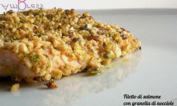 Filetto di salmone con granella di nocciole e pistacchi