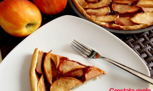 Crostata mele e confettura