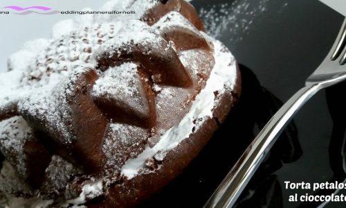 """Torta """"petalosa"""" al cioccolato"""