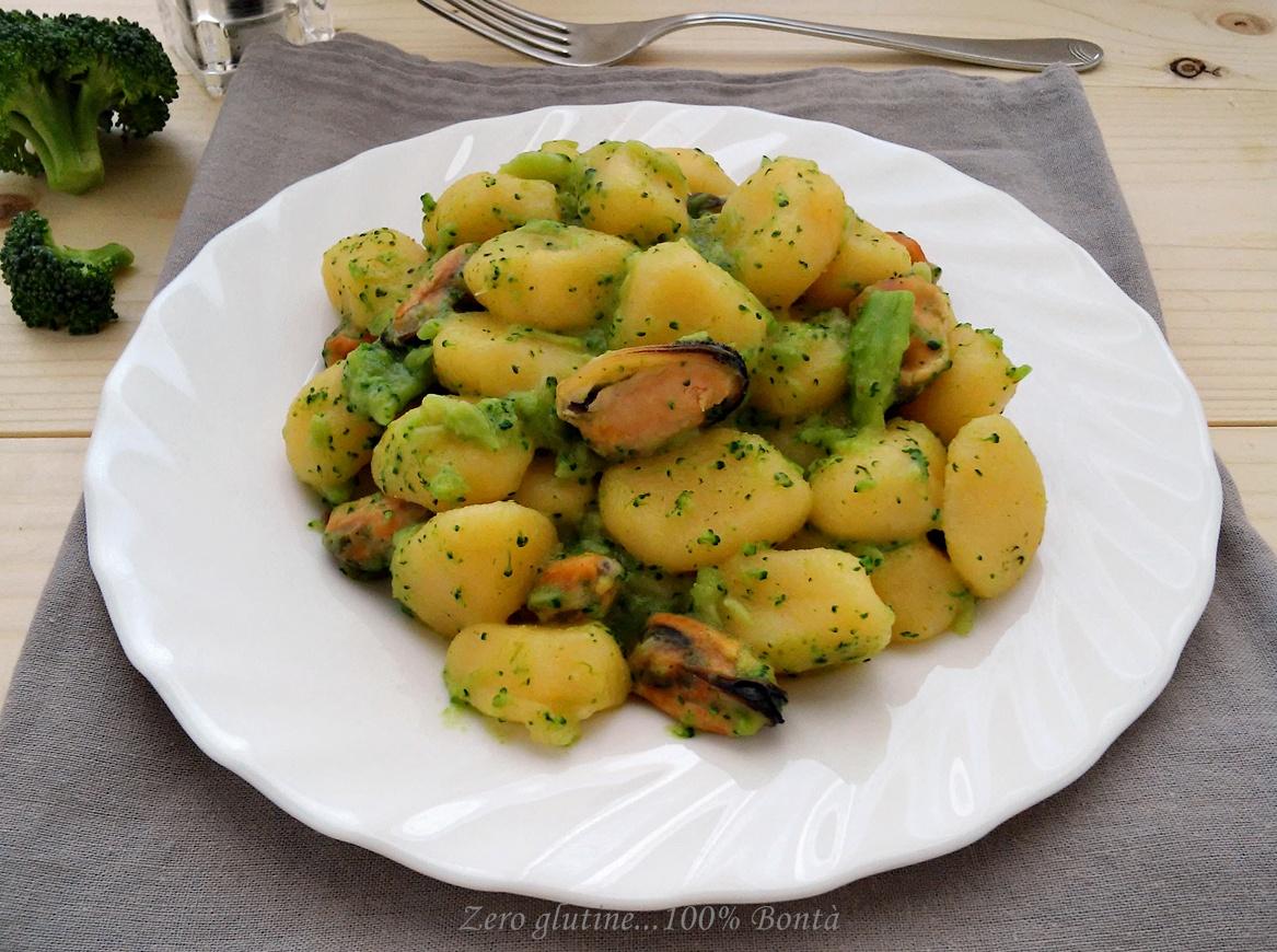 Gnocchi con cozze e broccoletti