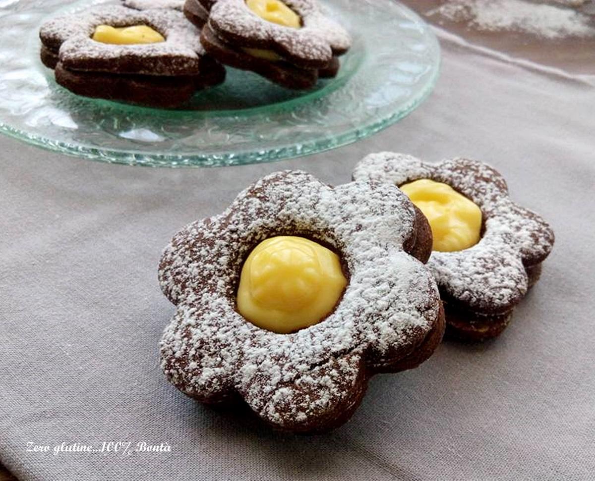 Biscotti al cacao con crema