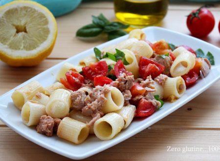 Pasta fredda veloce con tonno , rucola e limone