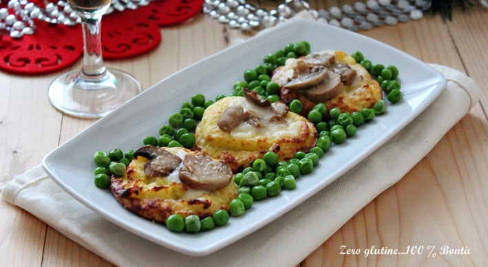 Cestini di patate gustosi e filanti con funghi e piselli