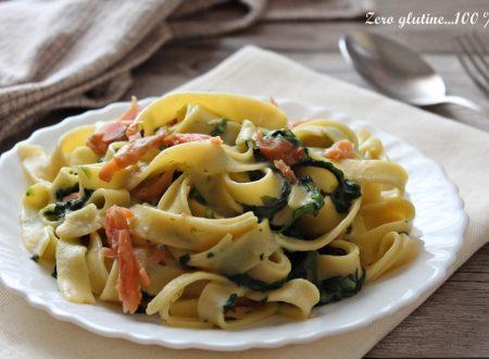 Tagliatelle con spinaci e salmone