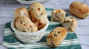 Panini Morbidi con Olive e Pancetta