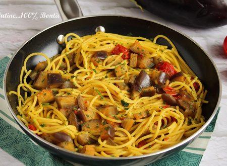 Spaghetti con melanzane e curcuma