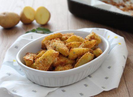 Patate con panatura croccante cotte al forno