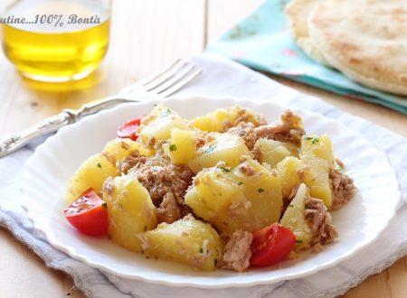 Insalata di patate lesse e tonno