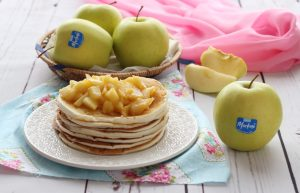 Pancake con mele caramellate