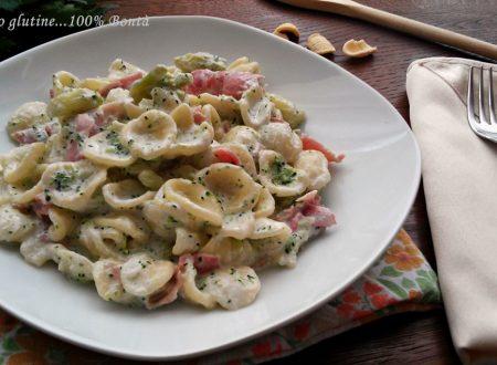 Orecchiette con broccoli e prosciutto cotto