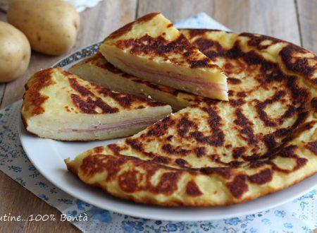 Focaccia di patate cotta in padella