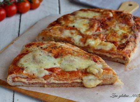 Pizza calzone con doppia farcitura