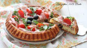 Crostata morbida salata con pancetta e olive