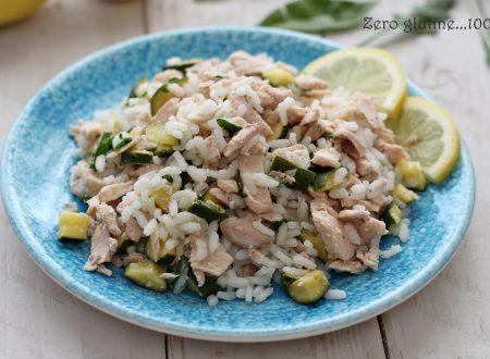 Insalata di riso con zucchine e salmone