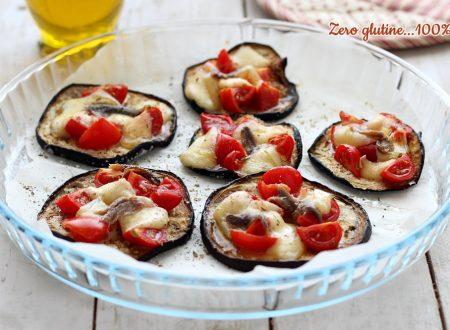 Bruschettine di melanzane con pomodorini e mozzarella