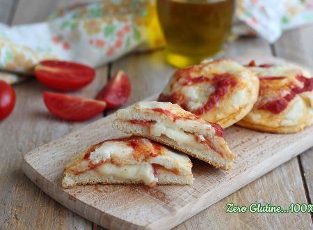 Pizzette alla ricotta ripiene di mozzarella