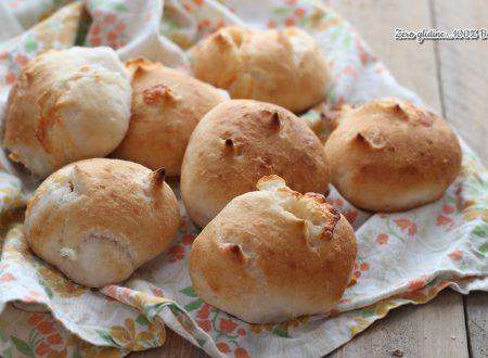 Panini ripieni di mozzarella