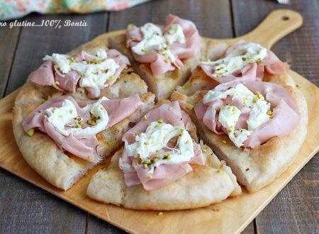 Pizza Biancaneve con mortadella e stracciatella