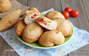 Pizze Fritte Ripiene di Pomodorini e Mozzarella, Senza Glutine