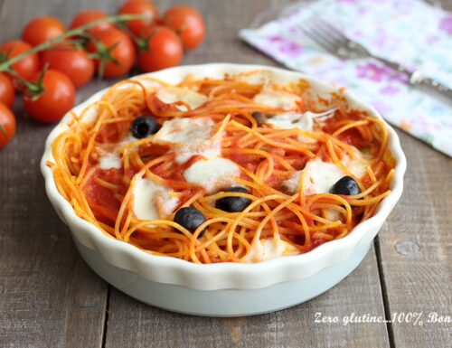 Spaghetti al forno con tonno e olive