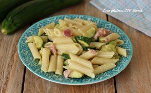 Pasta veloce e cremosa con zucchine e prosciutto