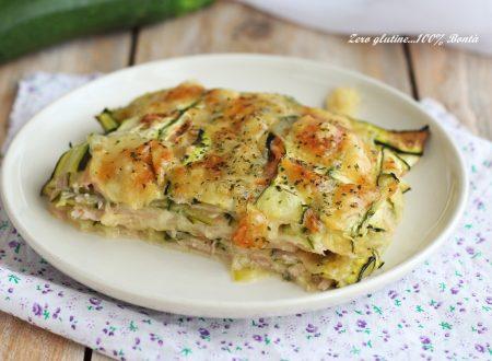 Parmigiana bianca di zucchine crude che cuoce direttamente in forno