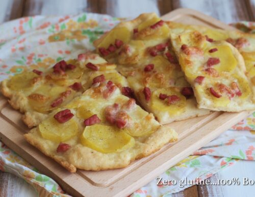 Pizza in teglia con patate e prosciutto
