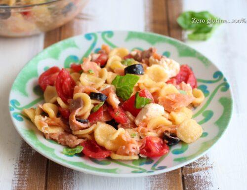 Orecchiette fredde con salmone e pomodorini