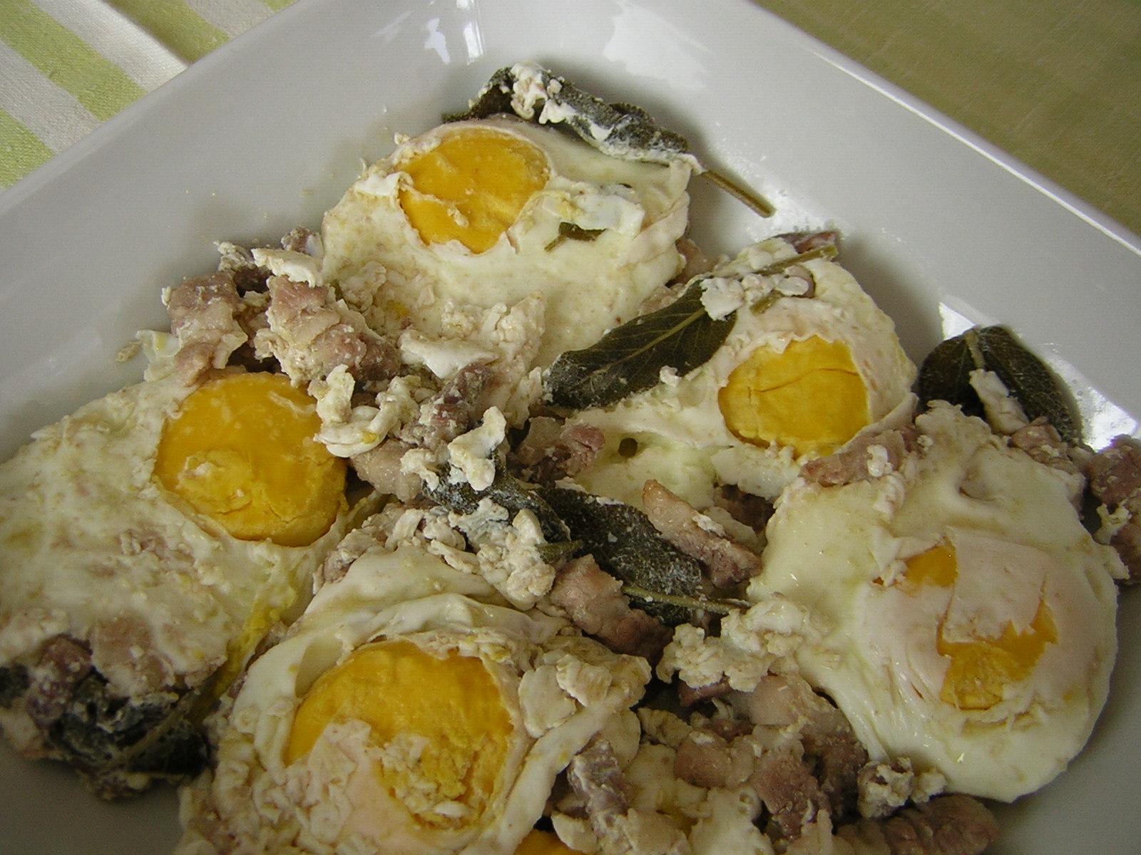 Uova in salm ricetta tradizionale in cucina con zia lora for Cucinare 2 uova