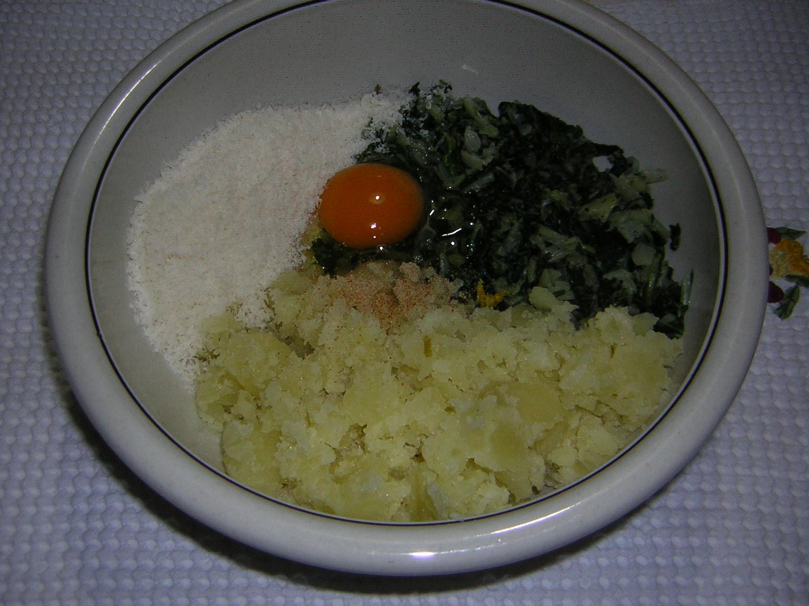 Preparazione dello sformato di patate e bietola
