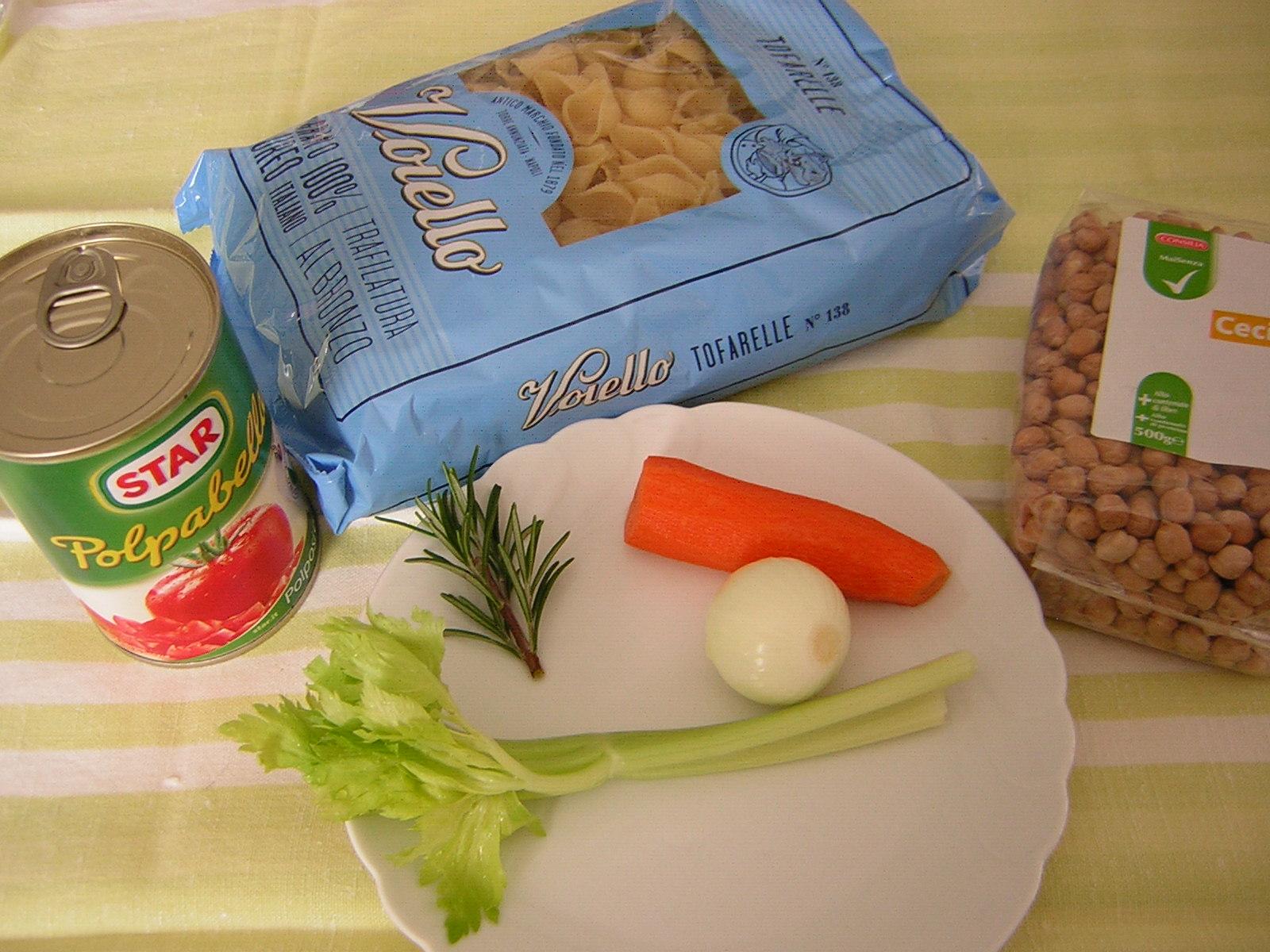 ingredienti per la pasta e ceci