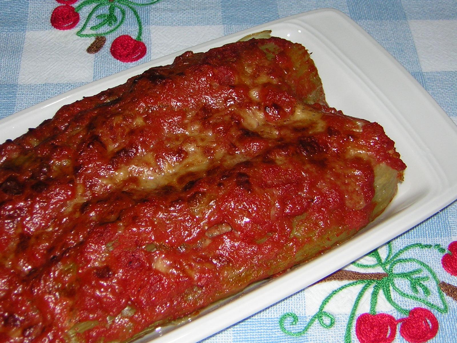 Il sedano ripieno ¨ un piatto tanto antico quanto insolito Io ho iniziato a cucinarlo qualche tempo fa con una ricetta che mi ha dato una mia cara amica