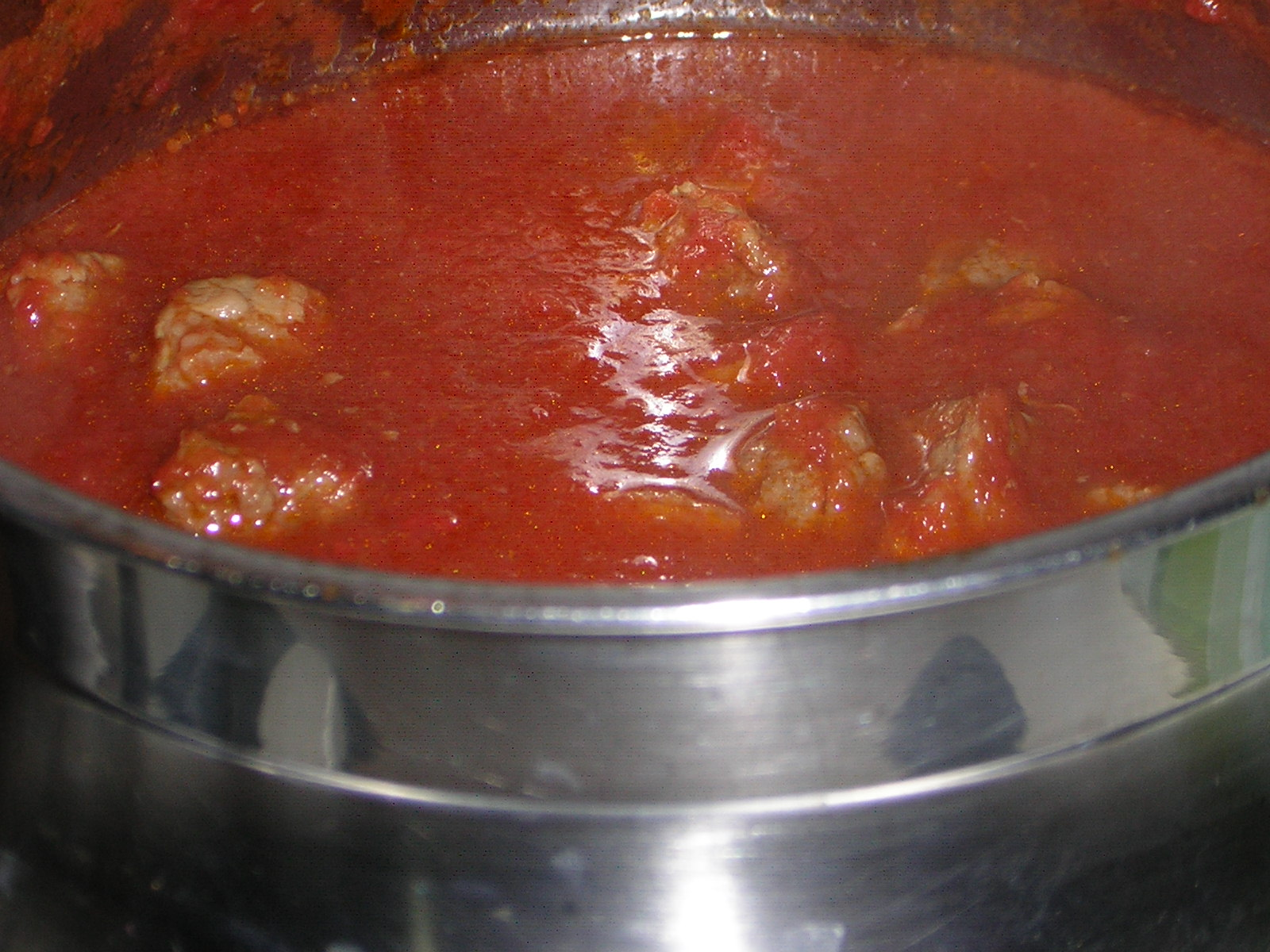 preparazione del ragù di carne leggero