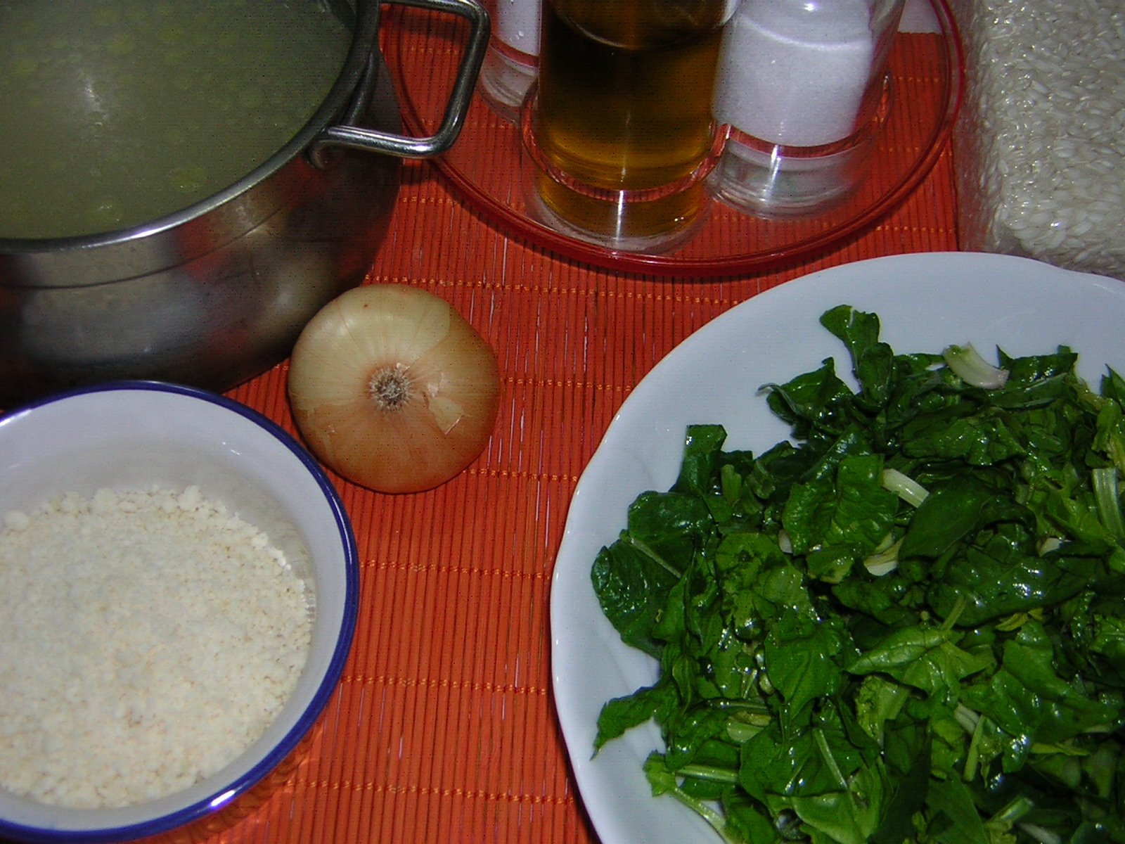 ingredienti per risotto con spinaci