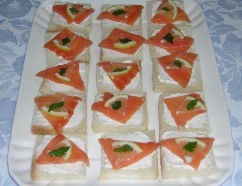 Tartine al salmone affumicato leggere